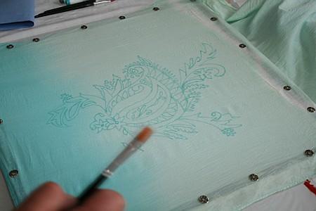 Schal mit Batikfarben vorgefärbt